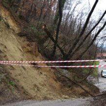 Zbog klizišta zatvorena cesta prema Gorkovcu