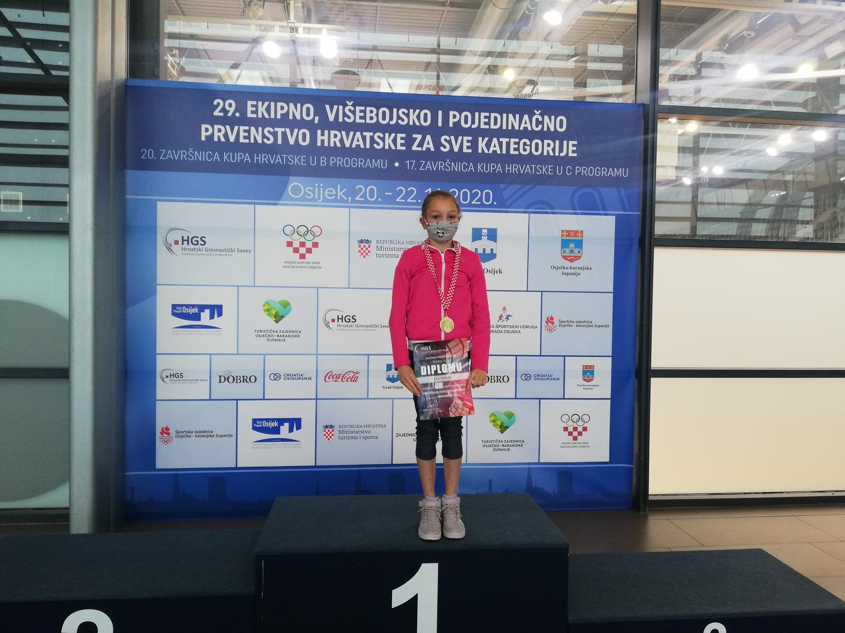 Eva Makek je višestruka državna prvakinja u gimnastici