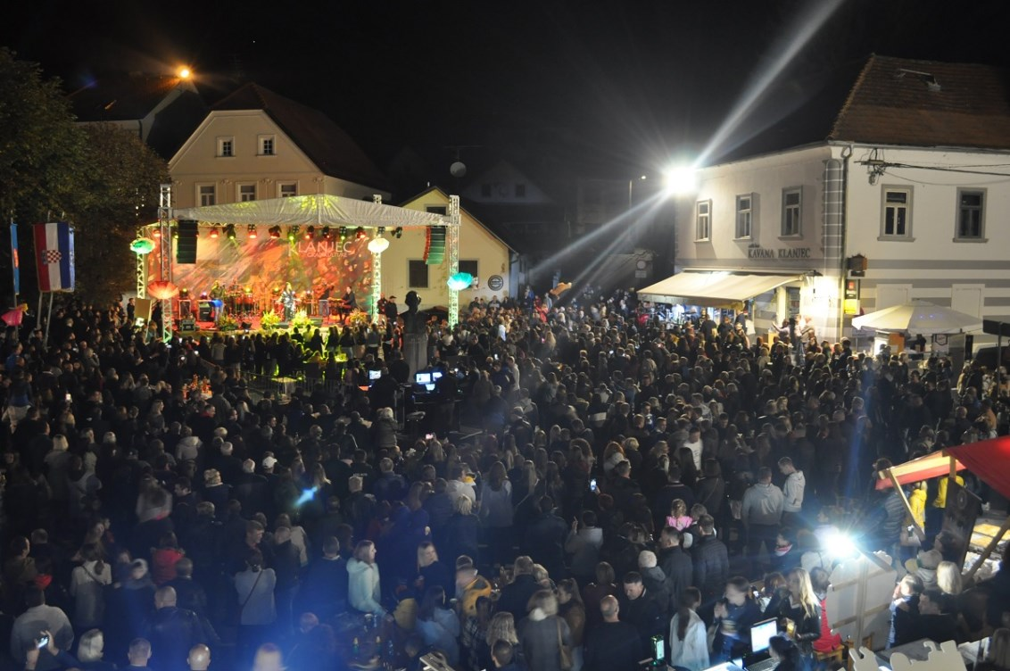 Koncerti na Zahvali jeseni ponovno ispunili klanječki trg